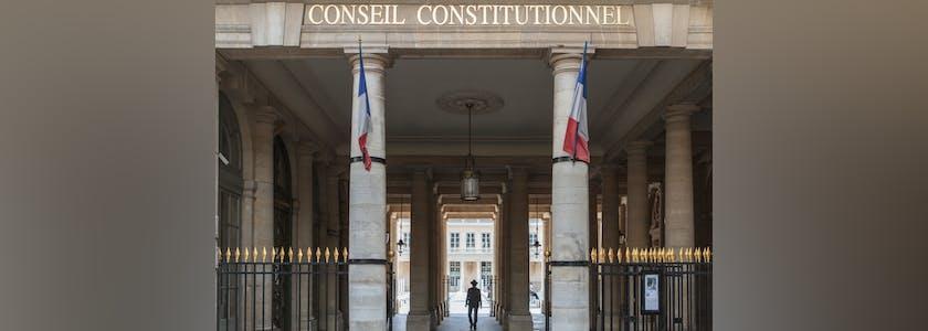 Entrée du Conseil constitutionnel